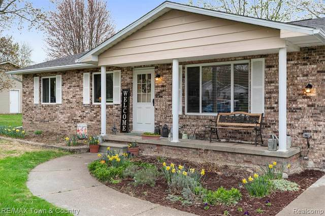 7040 Riegler Street, Grand Blanc Twp, MI 48439 (#2210026239) :: Real Estate For A CAUSE
