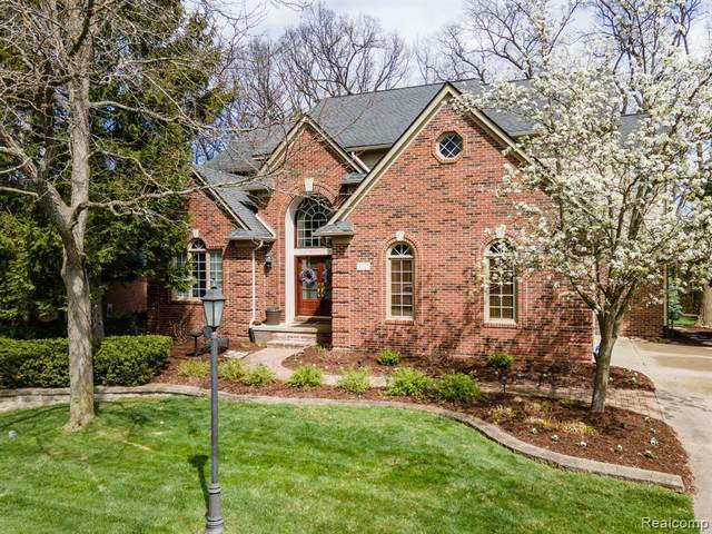 3725 Warwick Drive, Rochester Hills, MI 48309 (#2210026371) :: The Alex Nugent Team | Real Estate One