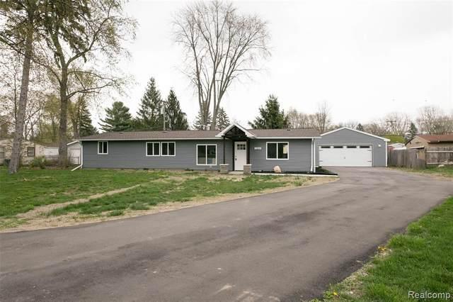 1304 Decker Road, Walled Lake, MI 48390 (#2210026451) :: Novak & Associates