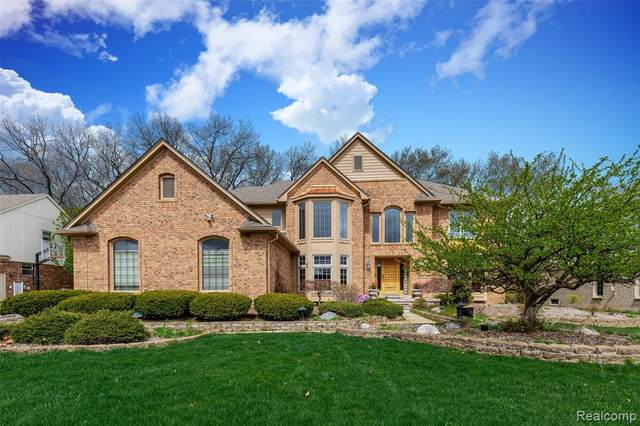 3716 Merriweather Lane, Rochester Hills, MI 48306 (#2210026467) :: The Alex Nugent Team | Real Estate One