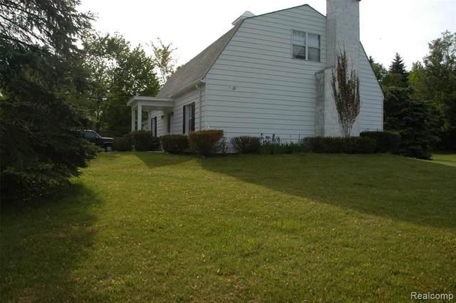 8703 Brookville Road, Salem Twp, MI 48170 (#2210026807) :: Real Estate For A CAUSE