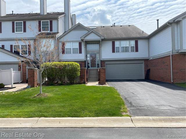49483 Pointe Crossing, Plymouth Twp, MI 48170 (#2210027529) :: BestMichiganHouses.com