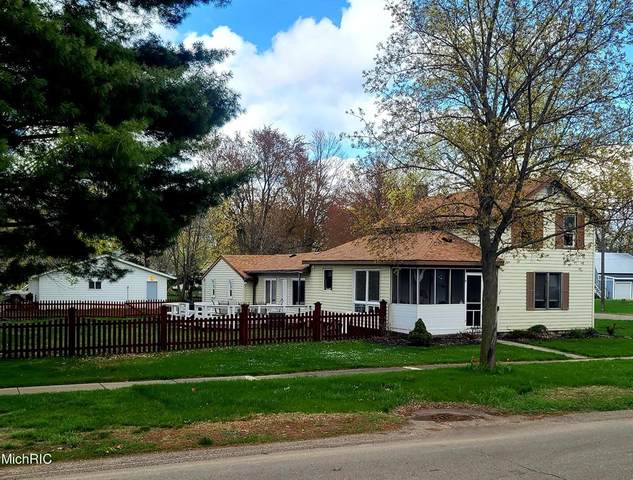 204 W Cherry Street, WAYLAND TWP, MI 49348 (#65021013192) :: Novak & Associates