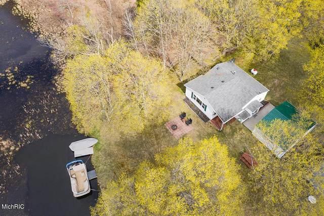 5007 W Shore Drive, SHERIDAN TWP - MECOSTA, MI 49305 (#72021013663) :: Novak & Associates