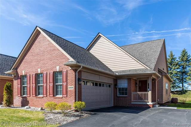 6920 Stonewood Place Drive, Independence Twp, MI 48346 (#2210029055) :: NextHome Showcase