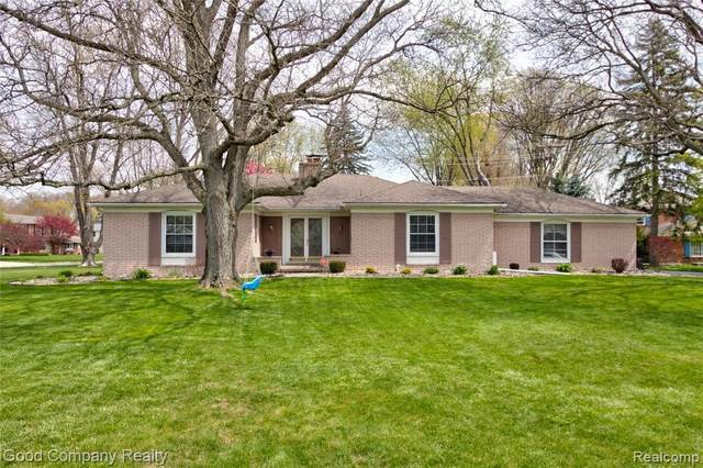 31192 Sunset Court, Beverly Hills Vlg, MI 48025 (#2210029907) :: Real Estate For A CAUSE