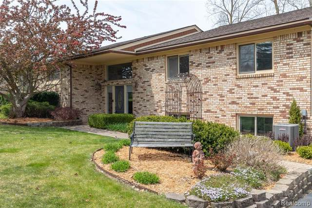 5143 Parview Drive, Independence Twp, MI 48346 (#2210030229) :: NextHome Showcase