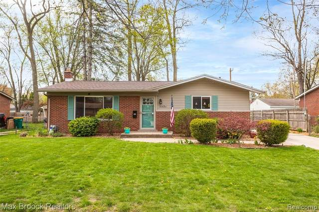 21891 S Brandon Street, Farmington Hills, MI 48336 (#2210030441) :: Real Estate For A CAUSE