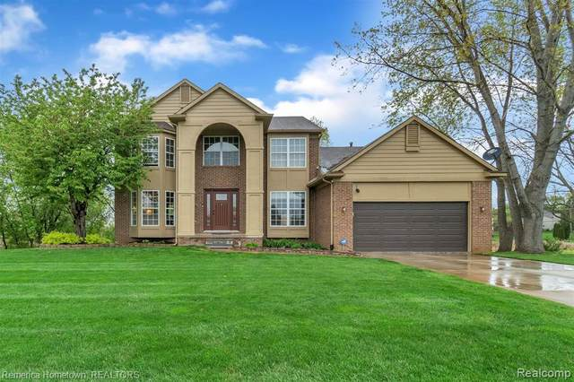 1850 Crimson Ridge Drive, Commerce Twp, MI 48390 (#2210030691) :: Novak & Associates