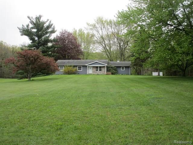6010 Brookville Road, Salem Twp, MI 48178 (#2210030785) :: Real Estate For A CAUSE