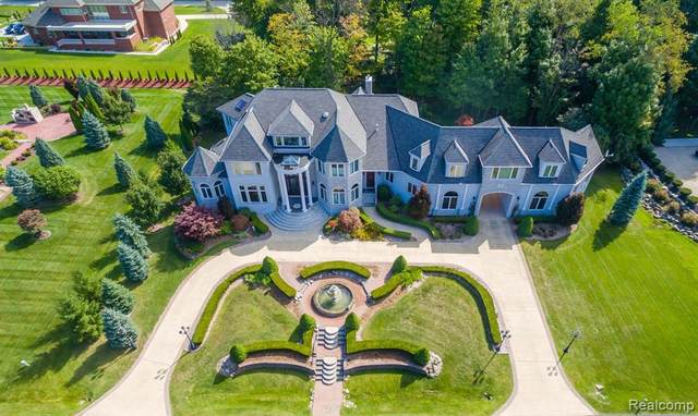 12800 Pebble Creek Drive, Plymouth Twp, MI 48170 (#2210030870) :: Real Estate For A CAUSE