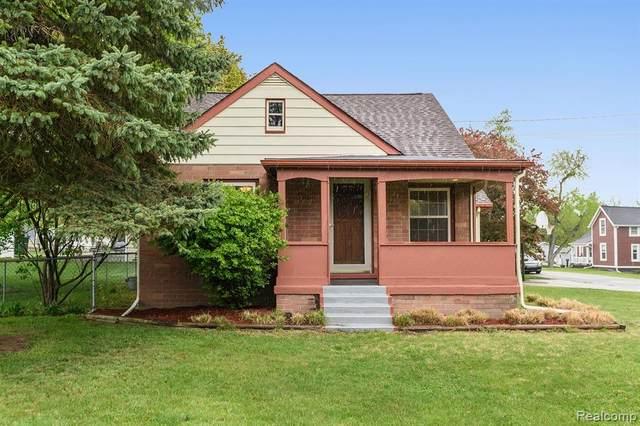 200 Center Street, Fenton, MI 48430 (#2210031074) :: Real Estate For A CAUSE