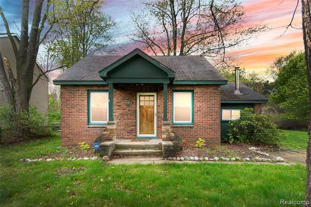 15411 Marilyn Avenue, Northville Twp, MI 48170 (#2210031190) :: Real Estate For A CAUSE