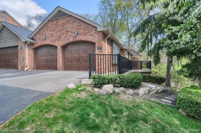 4012 Hidden Woods Drive #4, Bloomfield Twp, MI 48301 (#2210031261) :: Keller Williams West Bloomfield