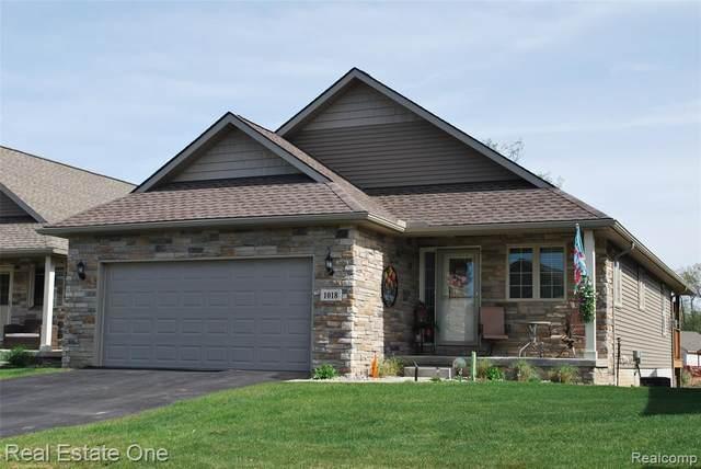 1018 Ridgeview Drive, Tecumseh, MI 49286 (#2210031367) :: Novak & Associates