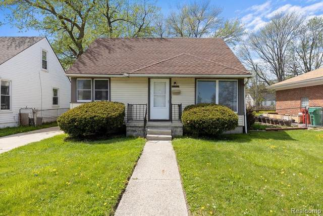 24845 Flower Avenue, Eastpointe, MI 48021 (#2210031389) :: Novak & Associates