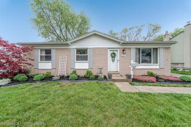38602 Summers Street, Livonia, MI 48154 (#2210031744) :: Real Estate For A CAUSE