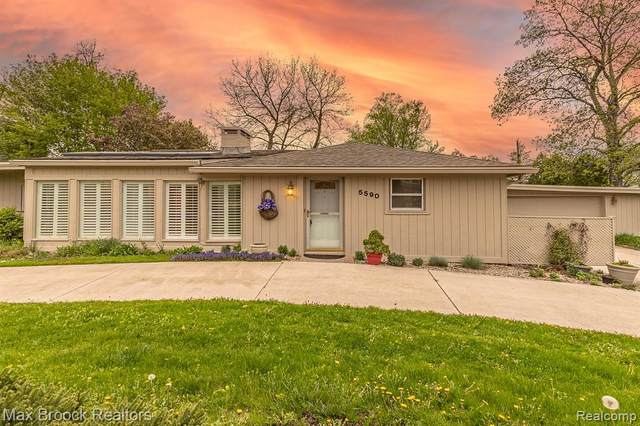 5590 Sunnycrest Drive, West Bloomfield Twp, MI 48323 (#2210031782) :: RE/MAX Nexus