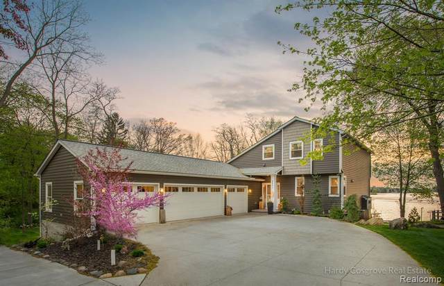 2601 Silverside Road, Waterford Twp, MI 48328 (#2210031796) :: Real Estate For A CAUSE
