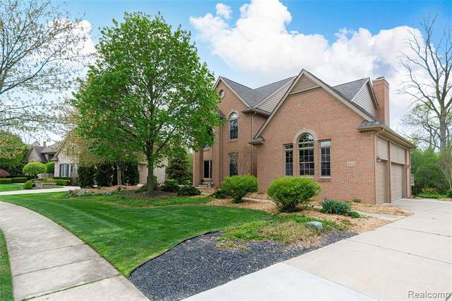 44223 Deep Hollow Cir, Northville Twp, MI 48168 (#2210032249) :: Real Estate For A CAUSE