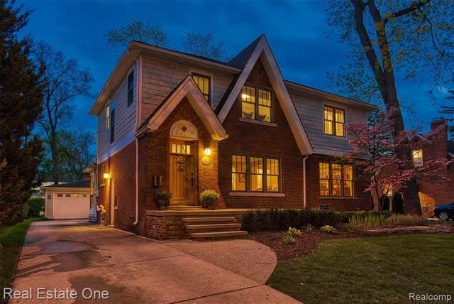 12745 Lasalle Lane, Huntington Woods, MI 48070 (#2210032361) :: Keller Williams West Bloomfield