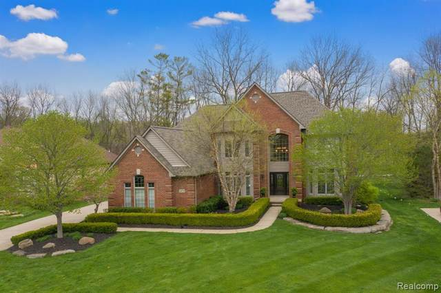 2659 Pebble Beach Drive, Oakland Twp, MI 48363 (#2210032375) :: Real Estate For A CAUSE