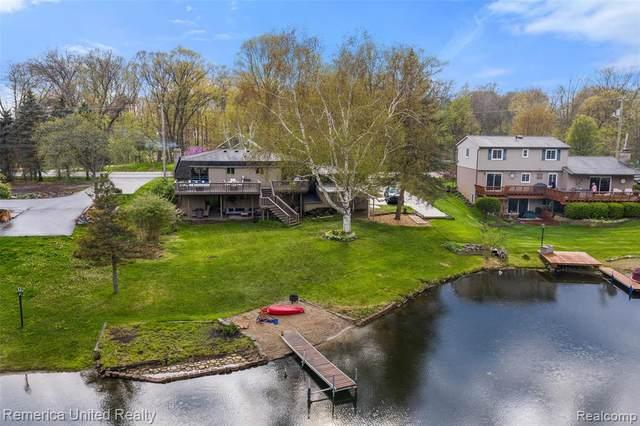 905 Bogie Lake Road, White Lake Twp, MI 48383 (#2210032909) :: Real Estate For A CAUSE