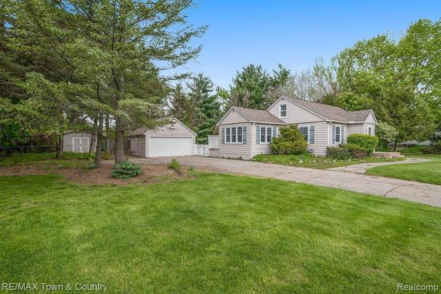 105 Luce Avenue, Flushing, MI 48433 (#2210033478) :: Real Estate For A CAUSE