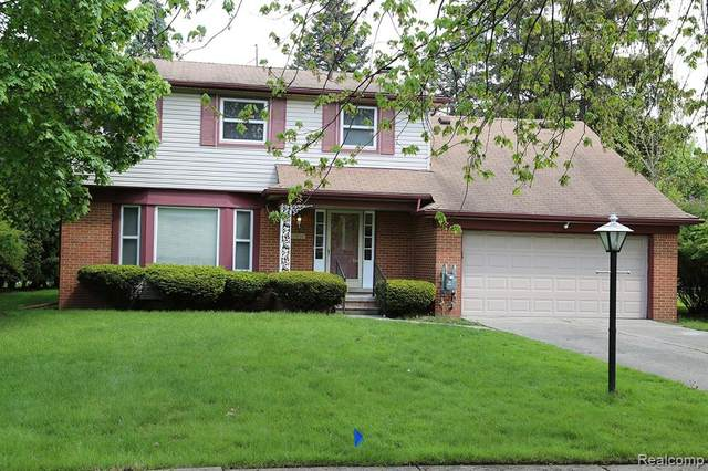 17436 Redwood Avenue, Lathrup Village, MI 48076 (#2210033707) :: Novak & Associates