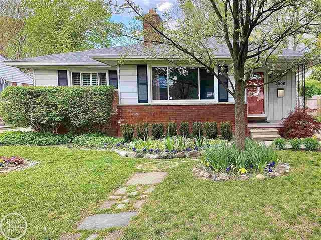 2506 Woodland Ave, Royal Oak, MI 48073 (#58050041397) :: Real Estate For A CAUSE