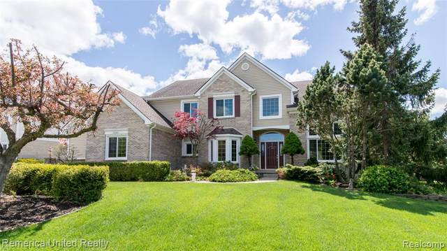 48341 Wadebridge Drive, Canton Twp, MI 48187 (#2210034474) :: Real Estate For A CAUSE