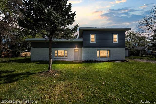 6358 Cloverton Drive, Waterford Twp, MI 48329 (#2210034813) :: Real Estate For A CAUSE