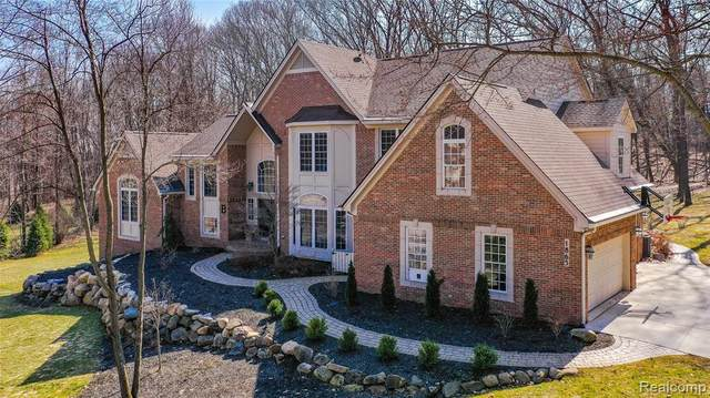 1865 Hickory Valley Road, Milford Twp, MI 48380 (#2210034993) :: BestMichiganHouses.com