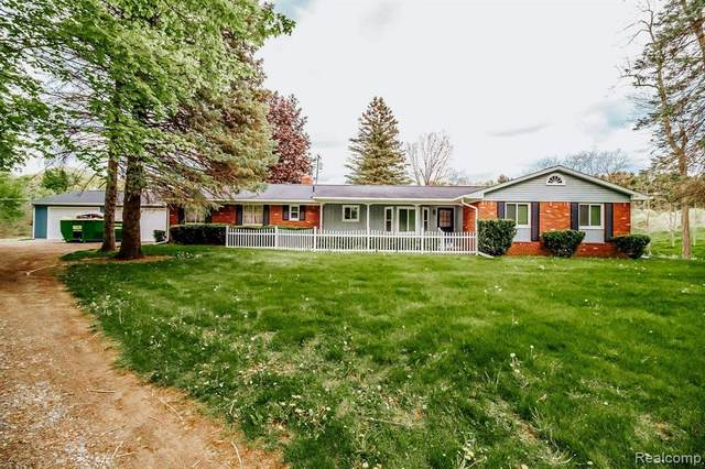 1845 Bullock Road, Elba Twp, MI 48446 (#2210035958) :: The Mulvihill Group