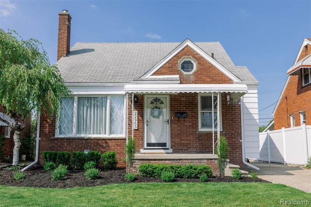 22963 Alger Street, Saint Clair Shores, MI 48080 (#2210036766) :: Novak & Associates