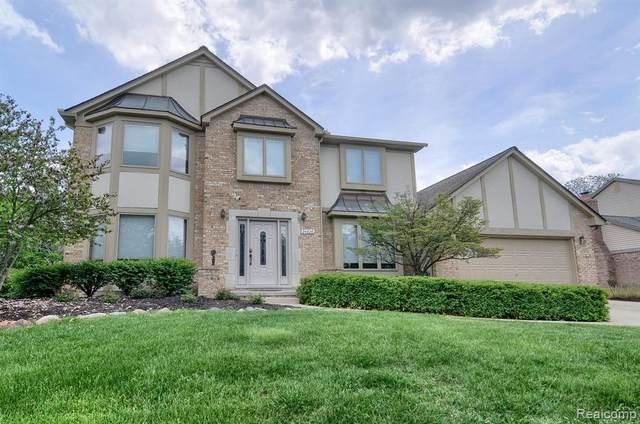 24826 White Plains Drive, Novi, MI 48374 (#2210036827) :: Duneske Real Estate Advisors