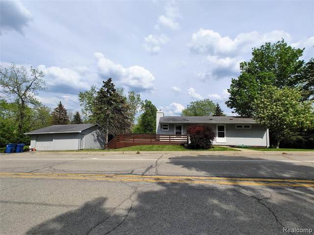 8033 Clarence Street, Goodrich Vlg, MI 48438 (#2210037253) :: Real Estate For A CAUSE