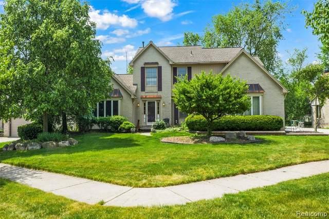 22679 Foxmoor Drive, Novi, MI 48374 (#2210038433) :: Duneske Real Estate Advisors