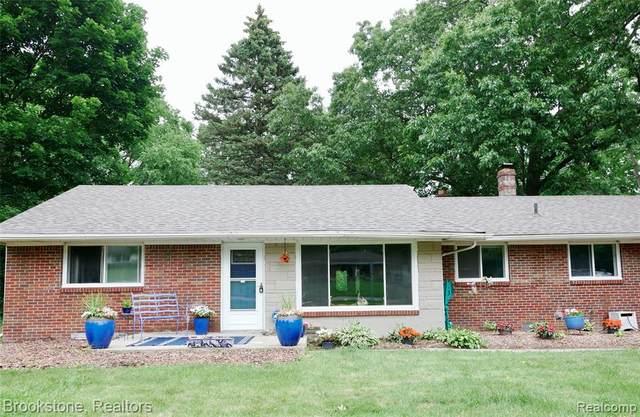 2479 Emerson Avenue N, Bloomfield Twp, MI 48302 (#2210039986) :: GK Real Estate Team