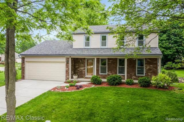 22174 Clover Lane, Novi, MI 48375 (#2210040975) :: Duneske Real Estate Advisors
