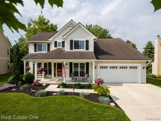 951 Westbrooke Drive, South Lyon, MI 48178 (#2210041272) :: Duneske Real Estate Advisors