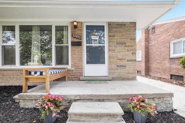 32935 Sheridan, Garden City, MI 48135 (#543281449) :: Real Estate For A CAUSE