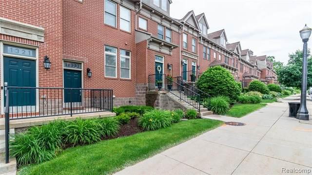 1323 Turner Street, Lansing, MI 48906 (#2210043744) :: Duneske Real Estate Advisors