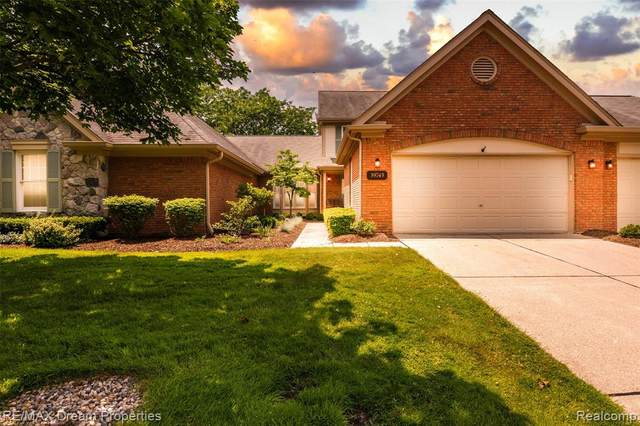 39745 Glenview Court, Northville Twp, MI 48168 (#2210044133) :: Real Estate For A CAUSE