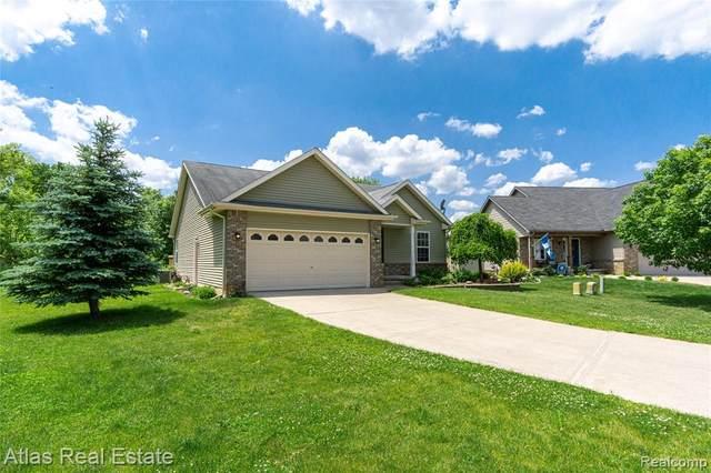 7496 Cedar Crt, Goodrich Vlg, MI 48438 (#2210044151) :: Real Estate For A CAUSE