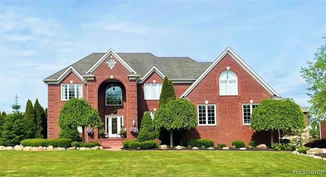 3838 Elk Drive, Oakland Twp, MI 48306 (#2210044425) :: Duneske Real Estate Advisors