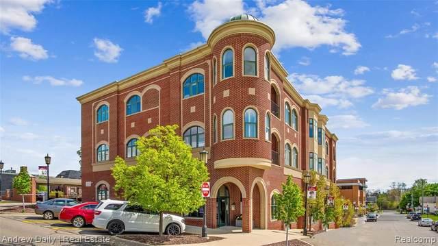 321 E Cady Street, Northville, MI 48167 (#2210044902) :: Duneske Real Estate Advisors