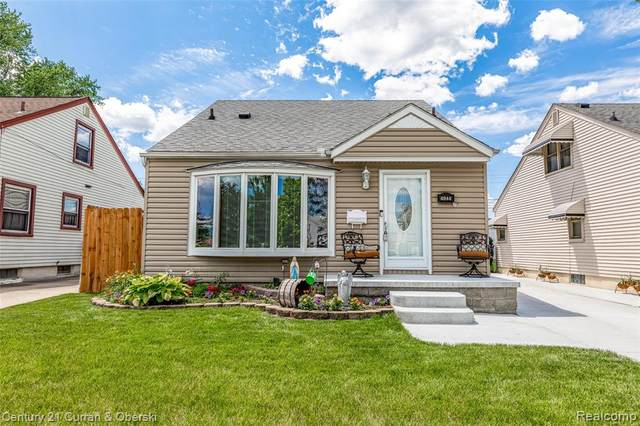 4044 18TH Street, Wyandotte, MI 48192 (#2210044991) :: GK Real Estate Team