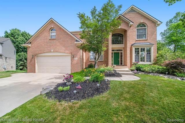 25918 Glenmoor, Novi, MI 48374 (#2210045858) :: Duneske Real Estate Advisors