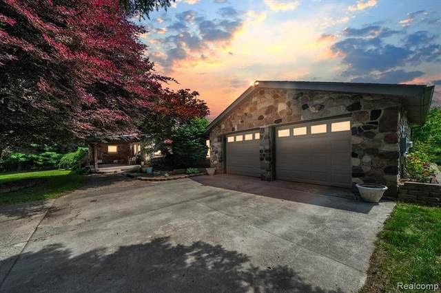 1880 Tooley Road, Howell Twp, MI 48855 (#2210046025) :: Real Estate For A CAUSE